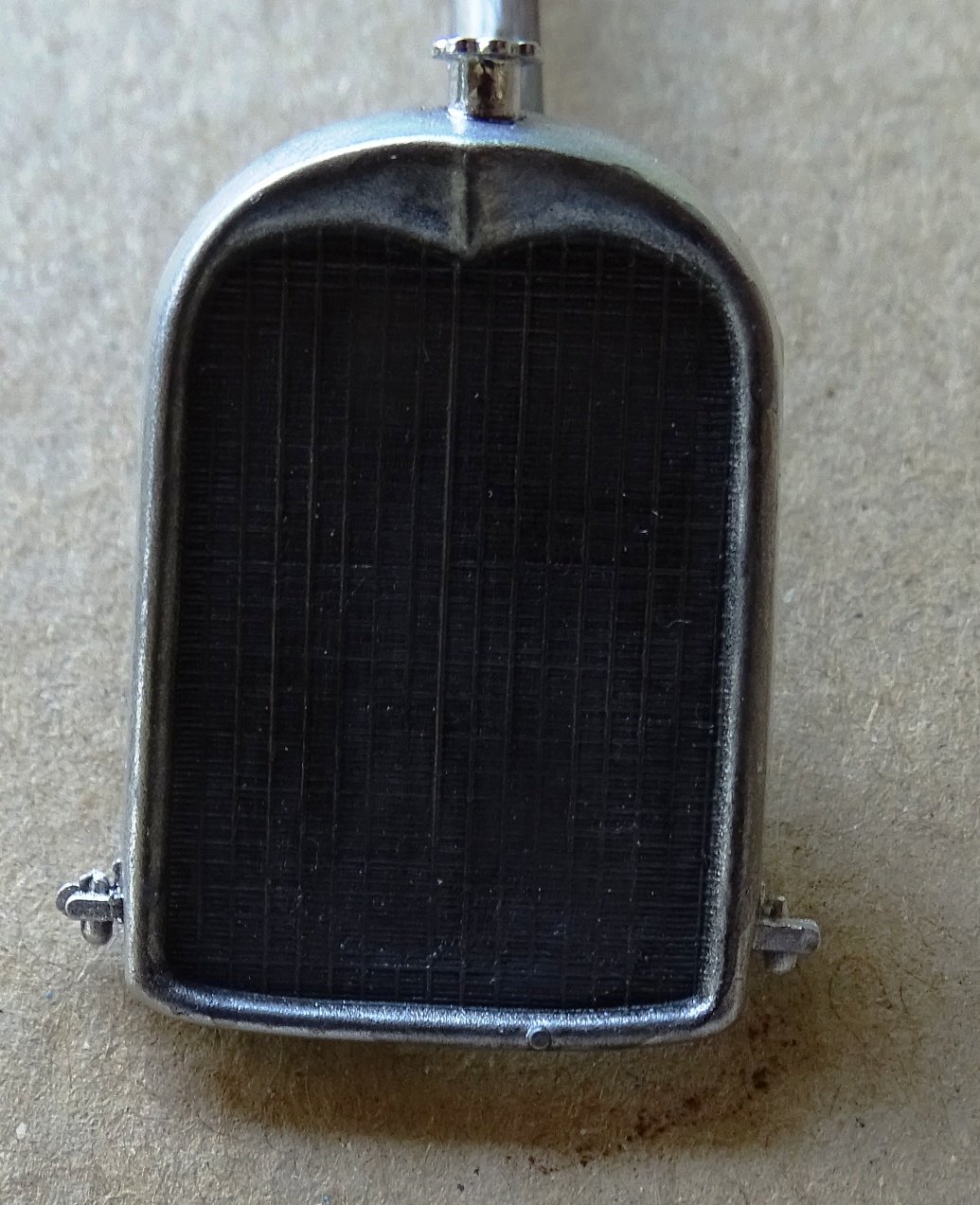 "[1/24] Citroën B14 ""normande"" réf.80729 B14-radiateur"