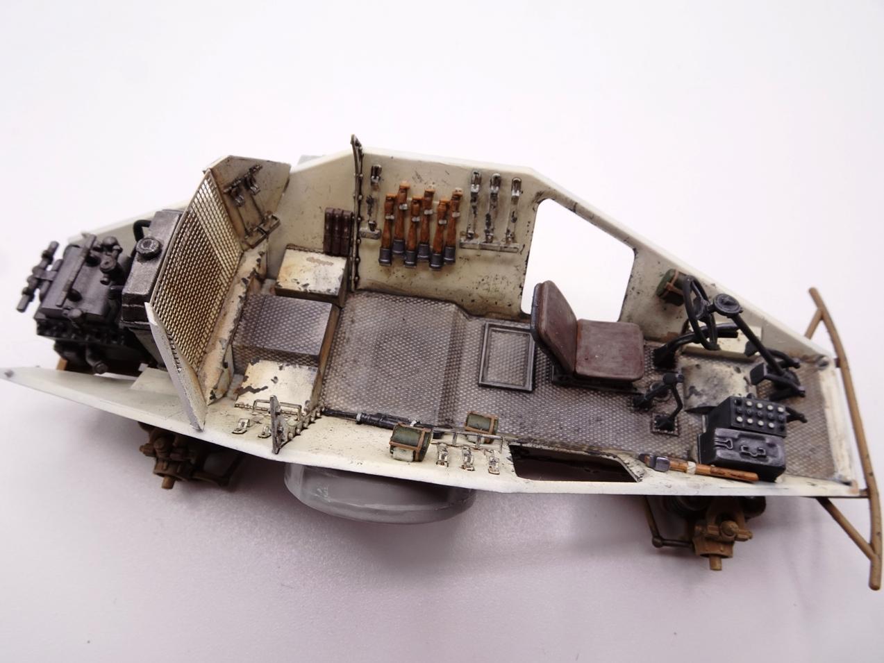 [Hobby Boss 1/35°] Sd.Kfz. 222 Leichter Panzerspähwagen - Page 2 222-0205-4