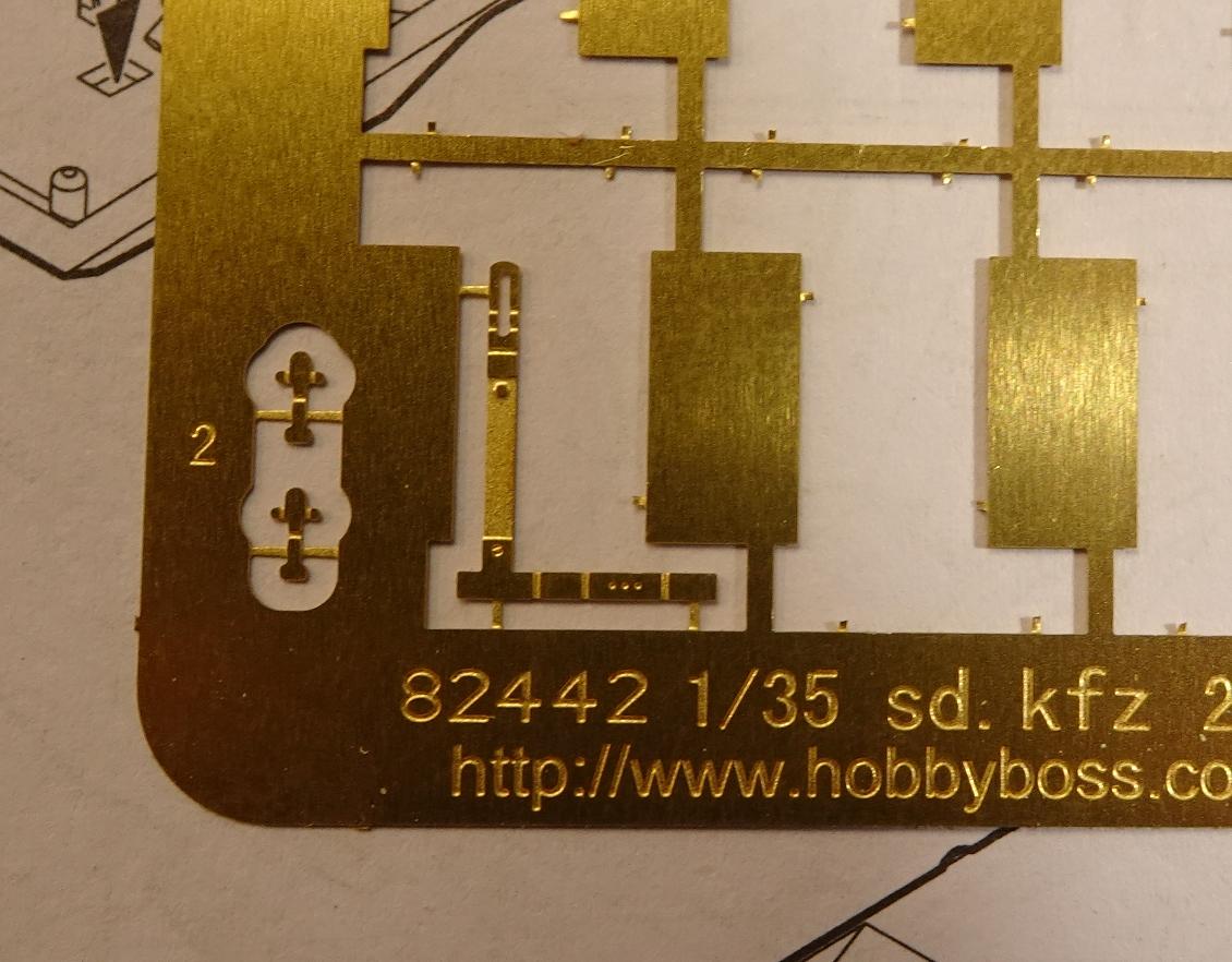 [Hobby Boss 1/35°] Sd.Kfz. 222 Leichter Panzerspähwagen 222-2504-2
