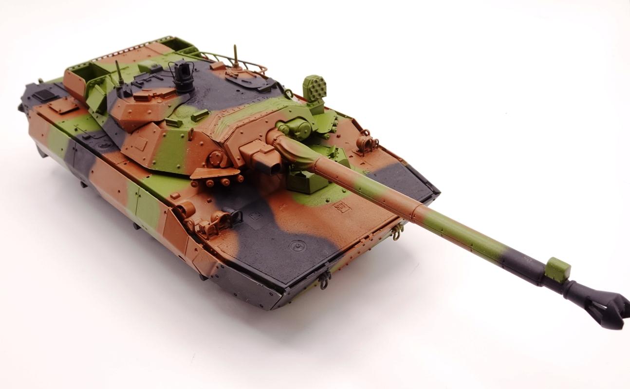 [Tiger Model] AMX-10RCR réf. 4602 - 1/35 - Page 3 Amx10-camo-1