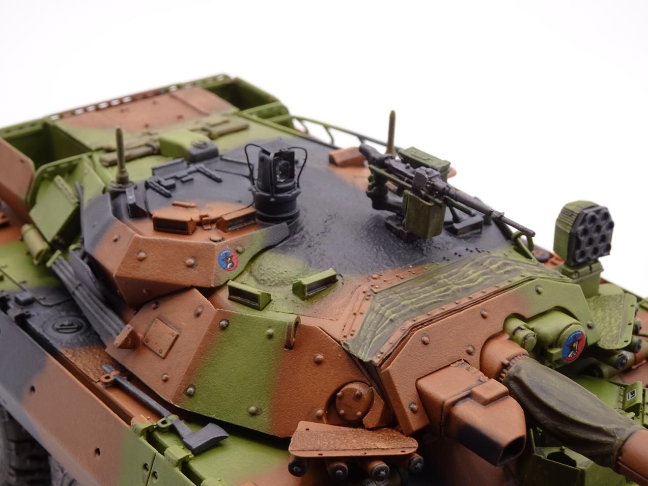 [Tiger Model] AMX-10RCR réf. 4602 - 1/35 - Page 4 Amx10-fin-10