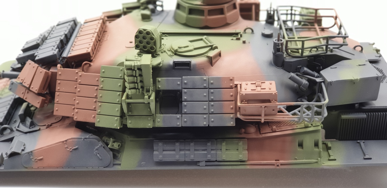 [Tiger Model 1/35] AMX-30 B2 Brennus - Page 3 AMX30-camo-2