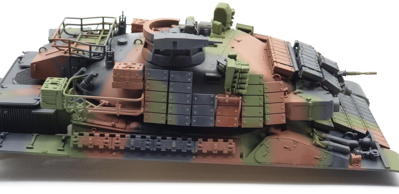 [Tiger Model 1/35] AMX-30 B2 Brennus - Page 3 AMX30-camo-3