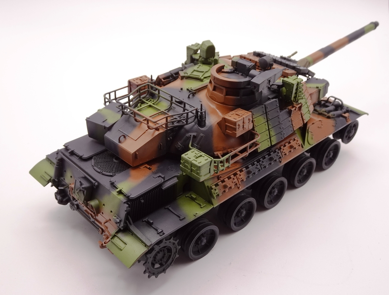 [Tiger Model 1/35] AMX-30 B2 Brennus - Page 4 AMX30-camo-ardt
