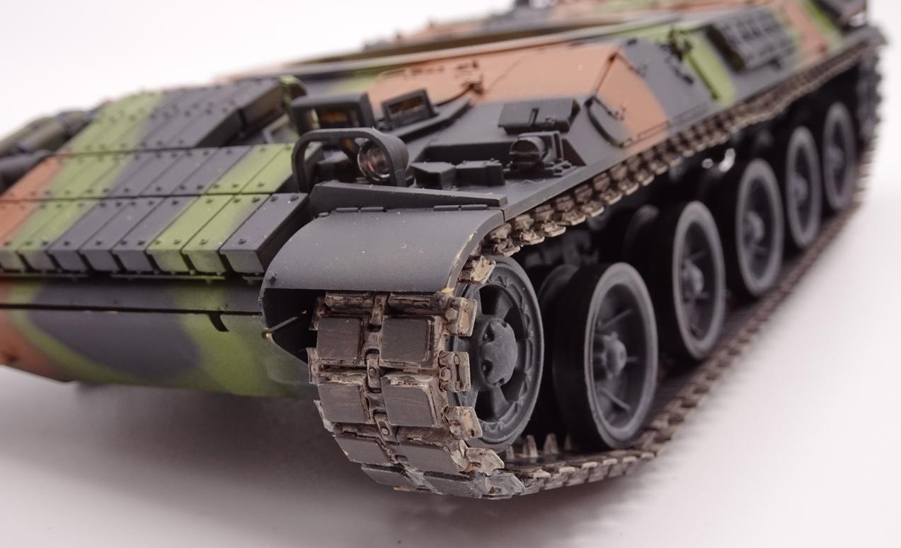 [Tiger Model 1/35] AMX-30 B2 Brennus - Page 4 AMX30-chenille-8