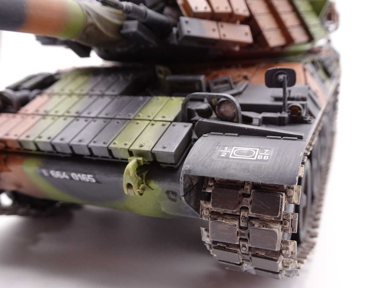 [Tiger Model 1/35] AMX-30 B2 Brennus - Page 5 AMX30-fin-13