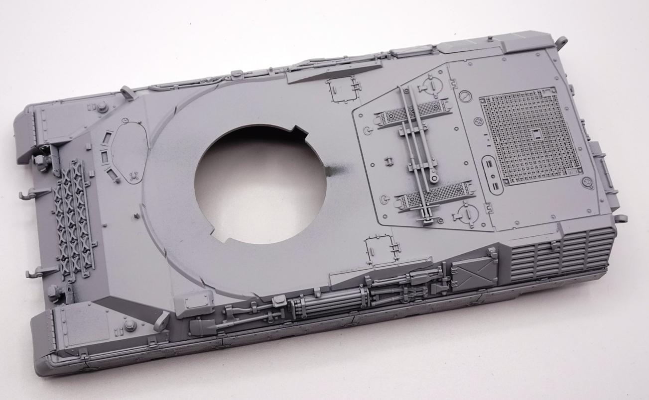 [Meng 1/35] Leopard 1 A5 - Page 2 LEO1-caisse-1