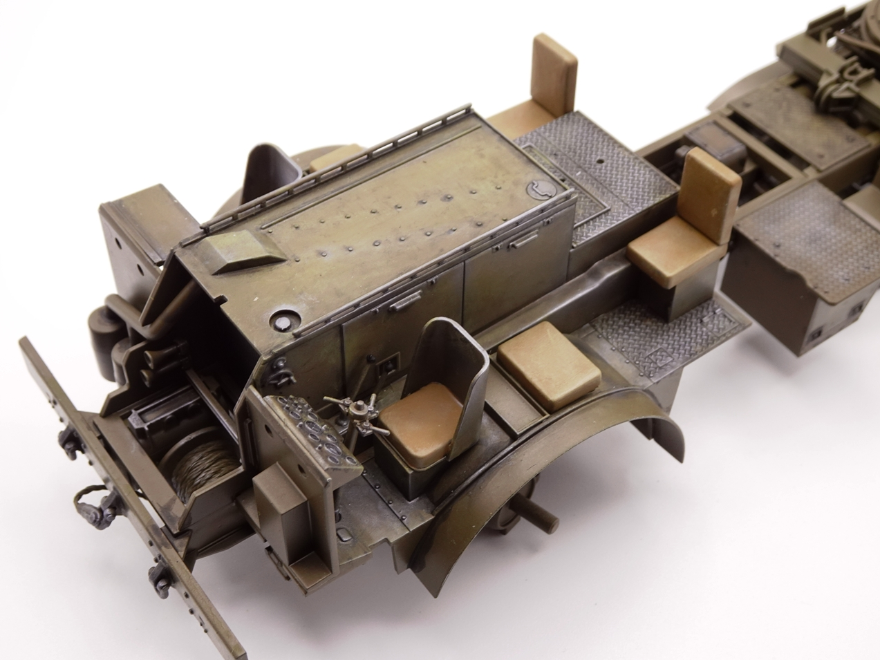[Tamiya 1/35] M26 Armored tank recovery vehicle réf. 35244 - Page 2 M26-1110-1