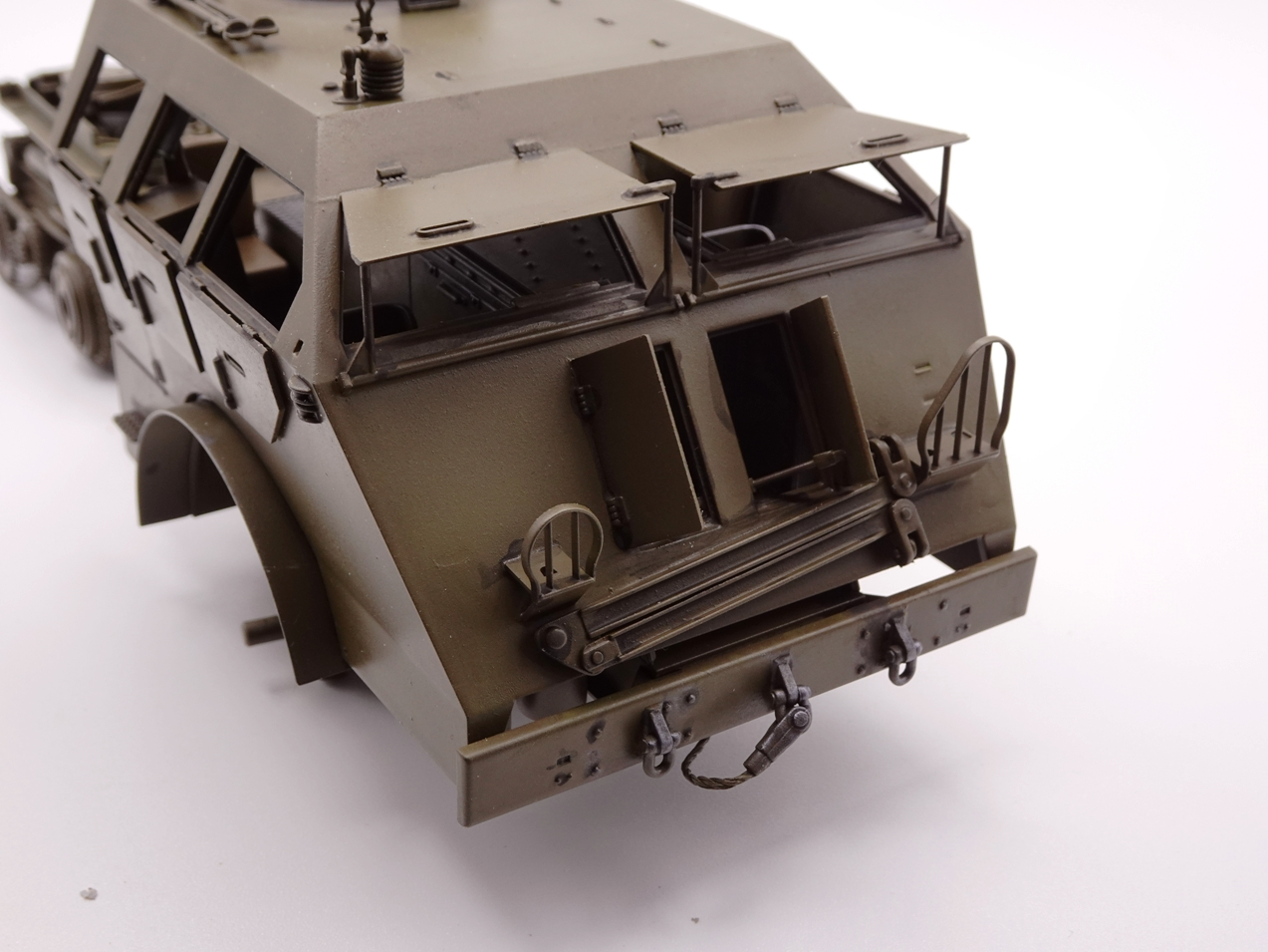 [Tamiya 1/35] M26 Armored tank recovery vehicle réf. 35244 - Page 2 M26-1110-10