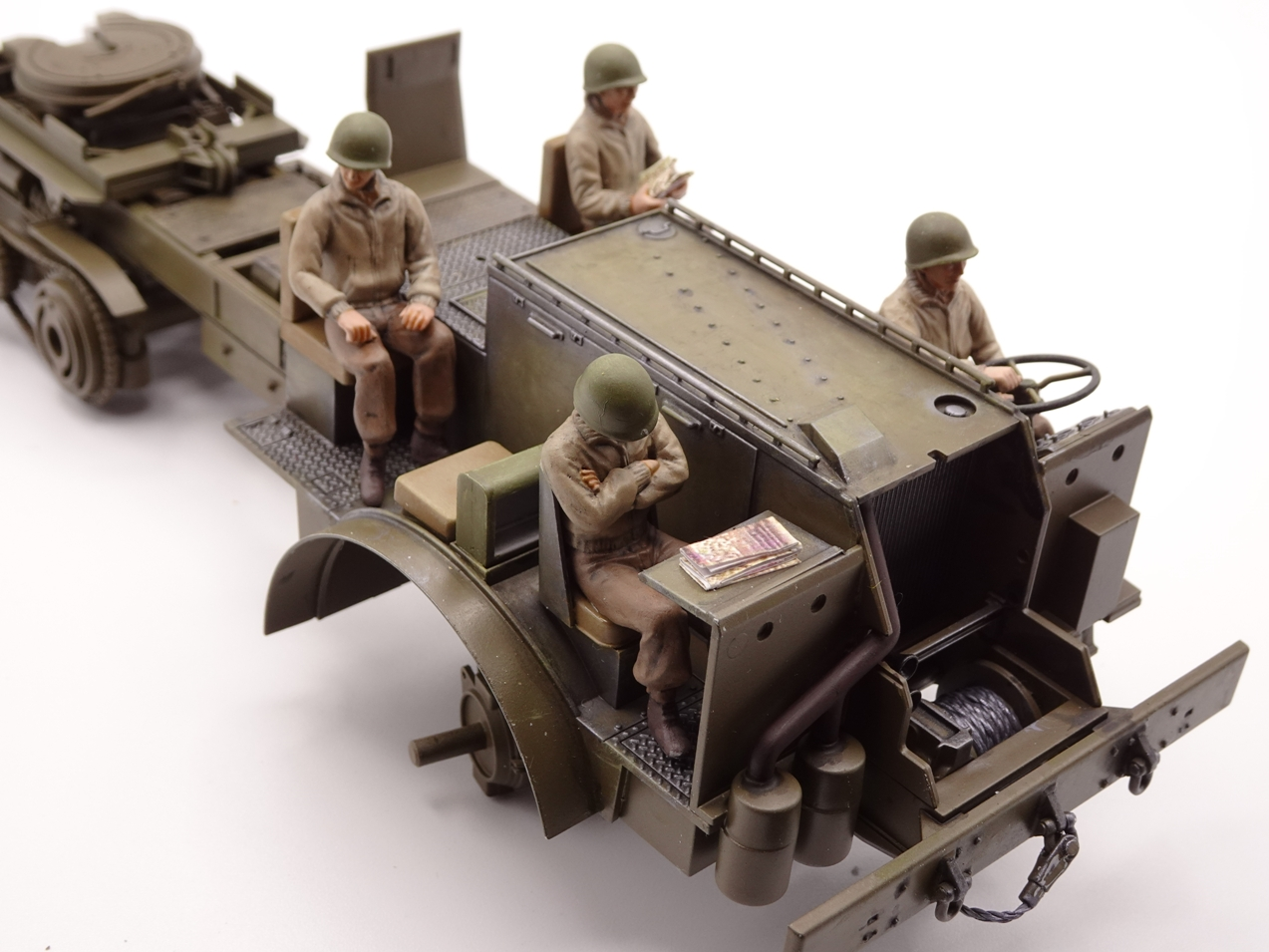 [Tamiya 1/35] M26 Armored tank recovery vehicle réf. 35244 - Page 3 M26-1510-2