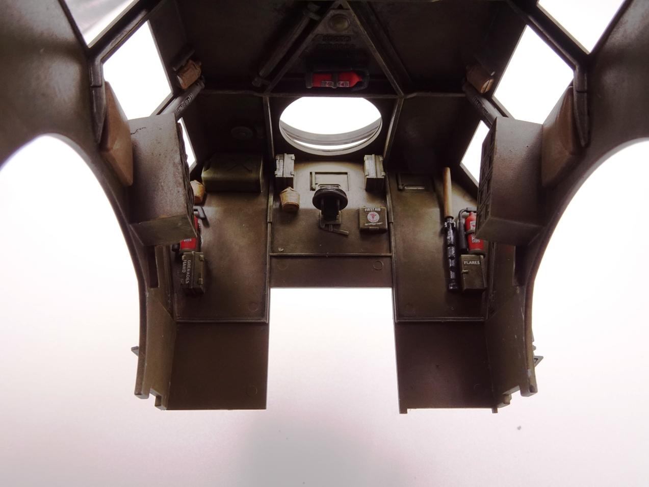 [Tamiya 1/35] M26 Armored tank recovery vehicle réf. 35244 - Page 3 M26-1510-5