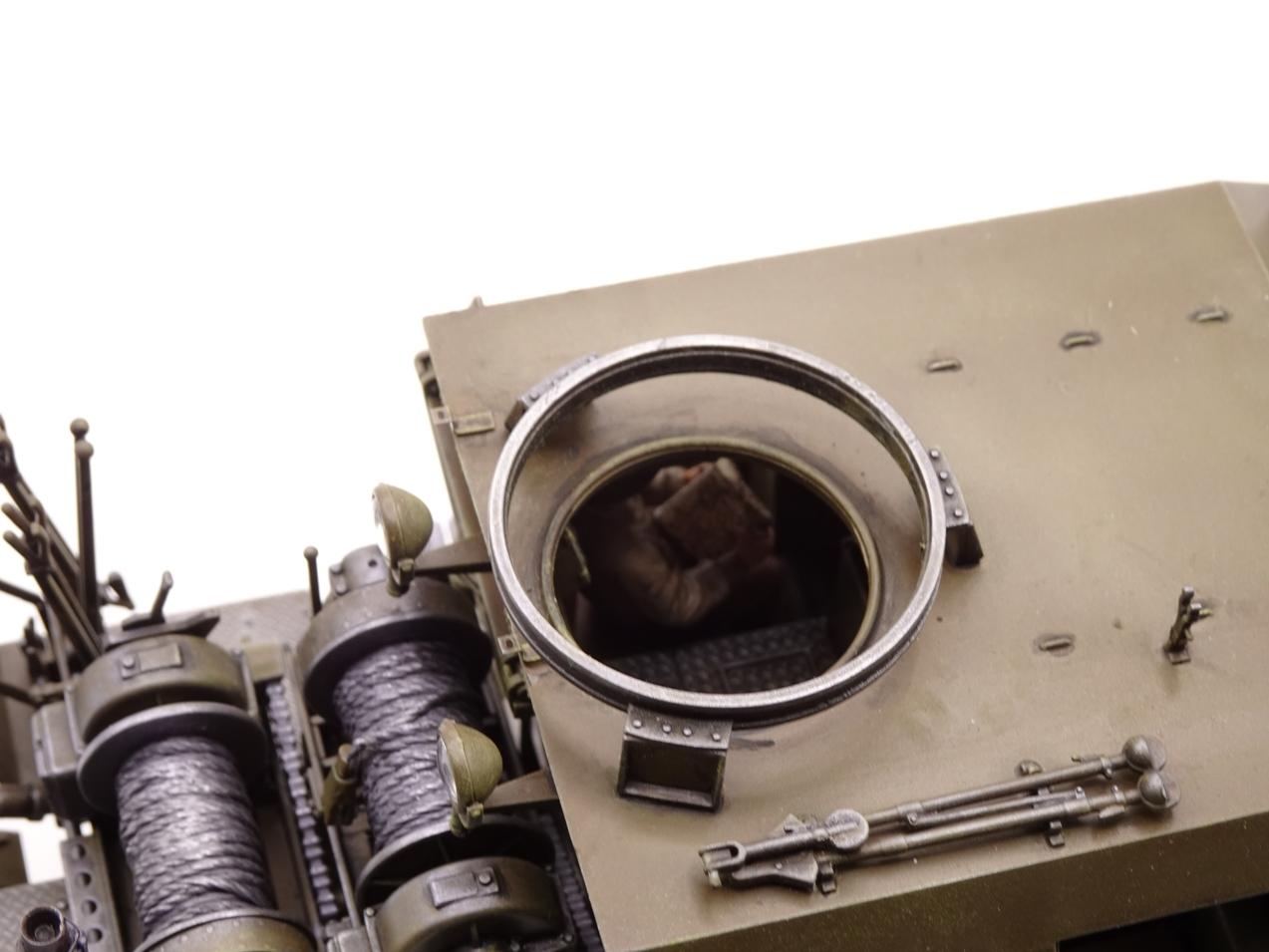 [Tamiya 1/35] M26 Armored tank recovery vehicle réf. 35244 - Page 3 M26-1810-4b