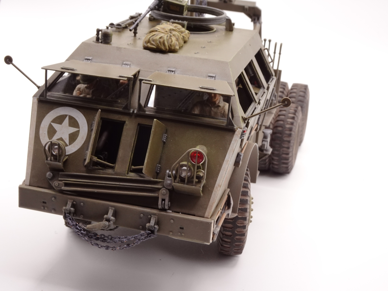 [Tamiya 1/35] M26 Armored tank recovery vehicle réf. 35244 - Page 4 M26-fin-6