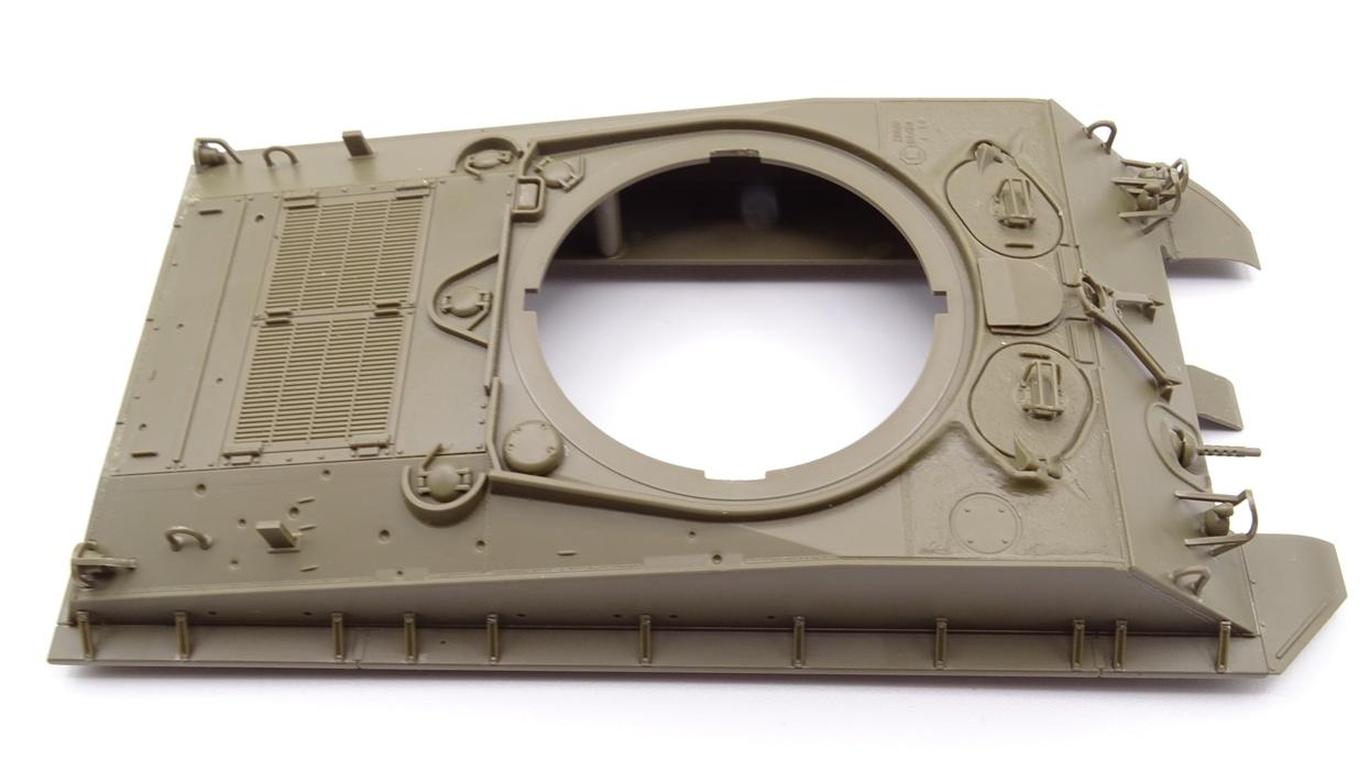 [Tamiya 1/35] Sherman M4A3E8 - Terminé - Page 2 M4A3-caisse1
