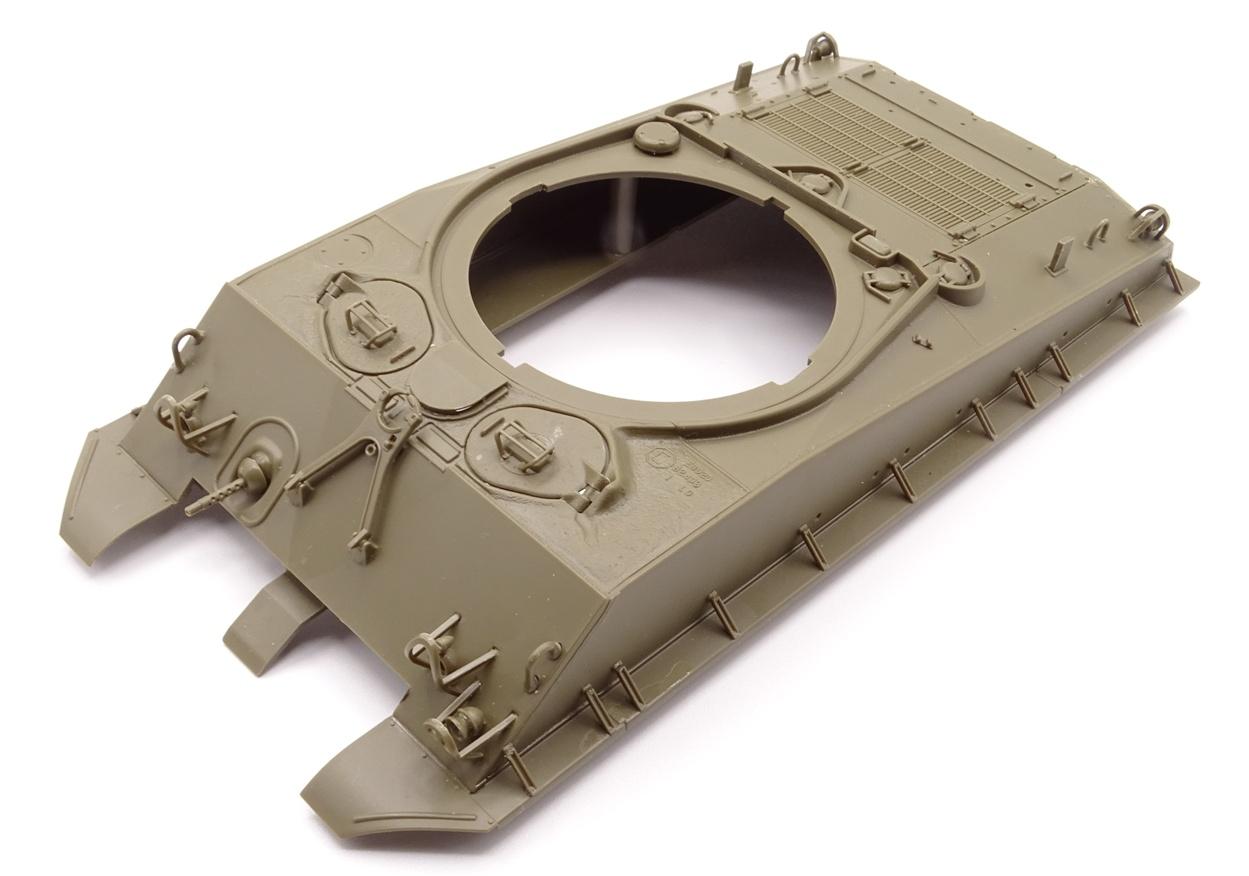 [Tamiya 1/35] Sherman M4A3E8 - Terminé - Page 2 M4A3-caisse2
