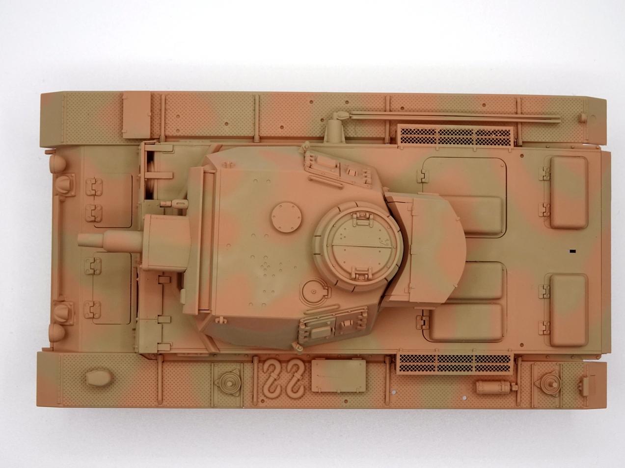 [Tamiya 1/35] Pz III Ausf.N (Sd.Kfz.141/2) réf. 35290 - Page 2 PZIII-camo-2