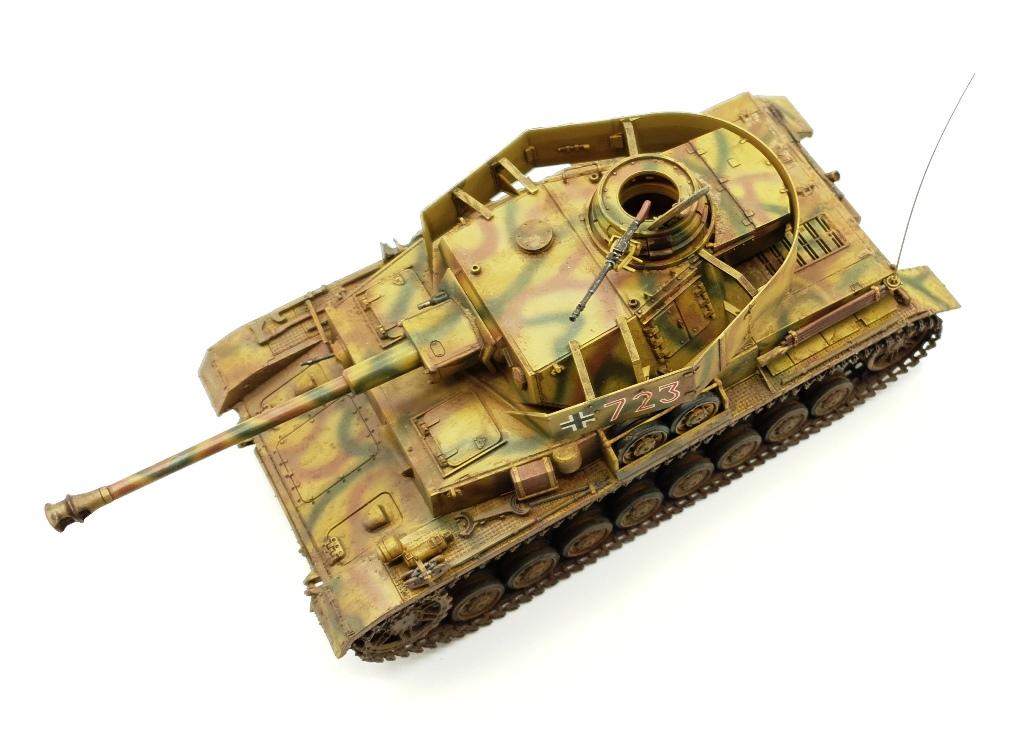 Jagdpanther Sd.Kfz. 173 - [TAMIYA, 1/48] - Page 2 PzIV-010320