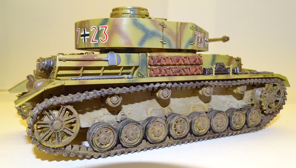 PzIV Ausf.J Tamiya 1/35° - Reprise 29-09-20 - Page 3 PzIV-13
