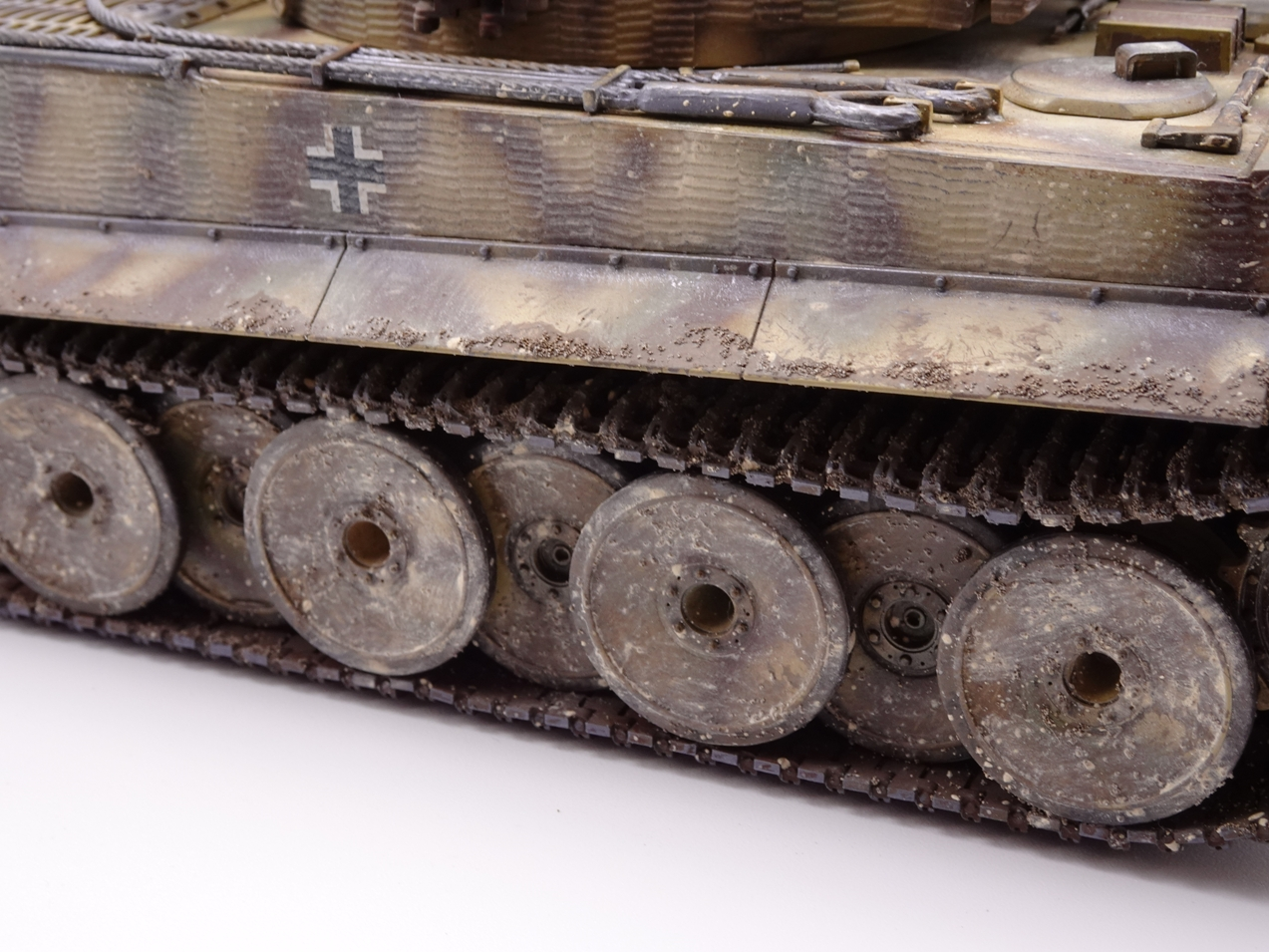 [Tamiya 1/35]  Tiger I mid production réf. 35194 Tigremid-fin-14