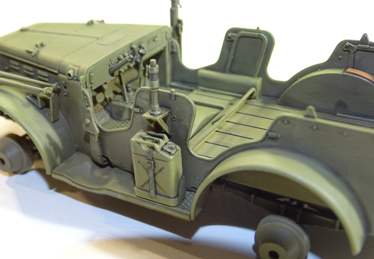 [AFV] DODGE 3/4 TON 4x4 WC57 / WC 56 PATTON 1/35ème Réf AF35S16 WC57-brush-4