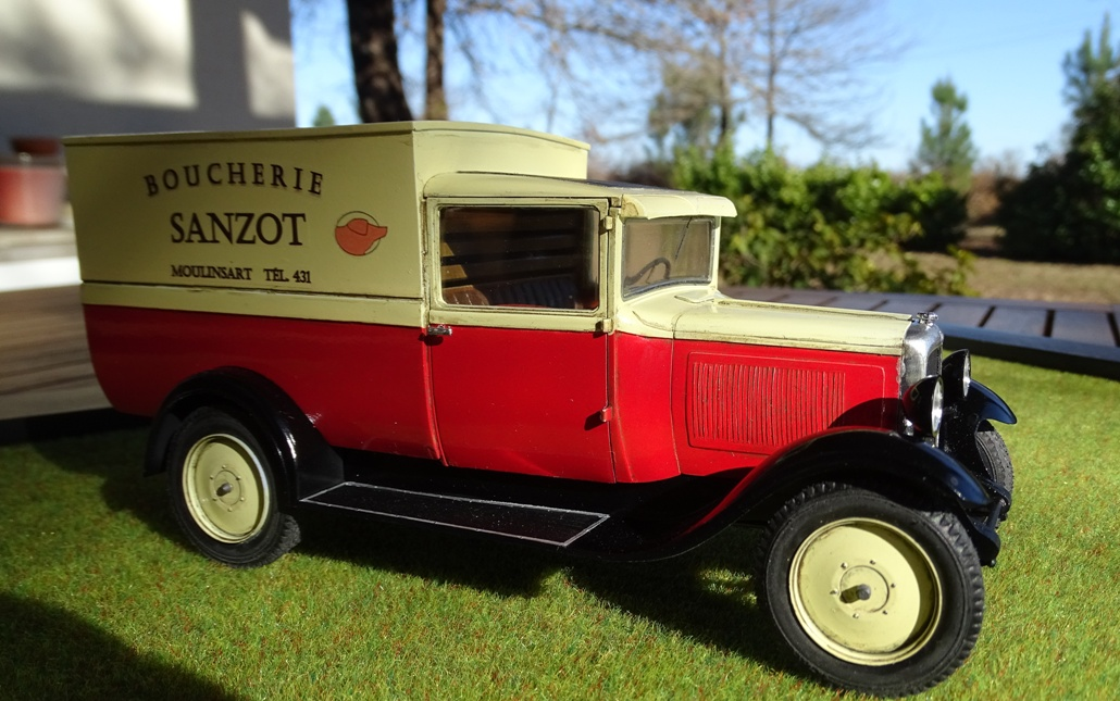 Citroën C-4 Fourgonnette 1928 réf. 80703 C4c-fin-4